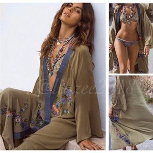 5⭐️Rated! Embroidered Floral Kimono Cover-Up